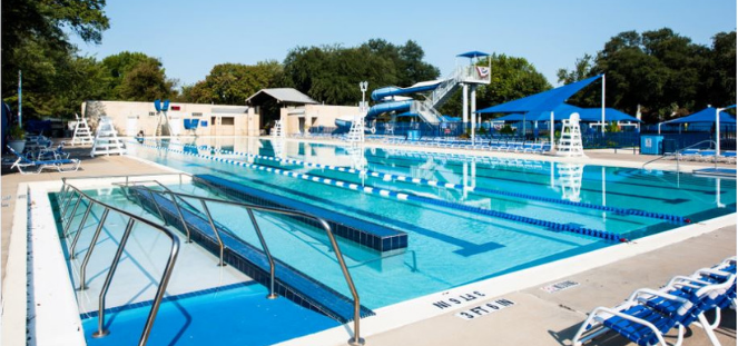 Holmes Aquatic Center pool